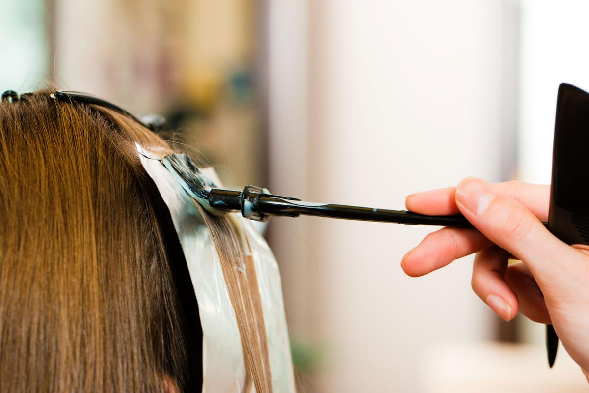 Haarfarbe-Straehnchen