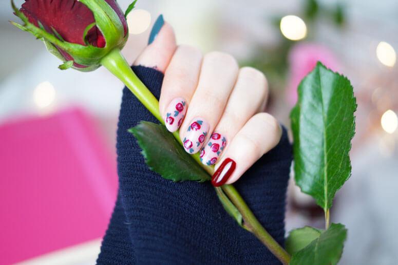 Valentine-Nails-Rose-458985c392eb05