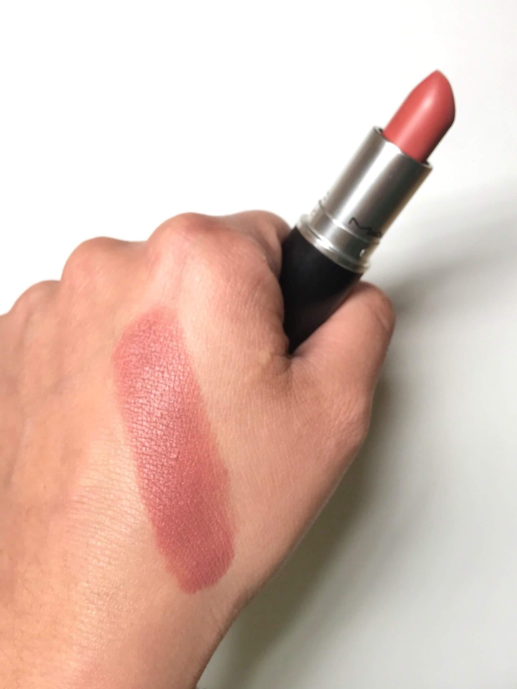 Lipstick-MAC-Velvet-Teddy-Swatch-1